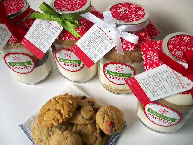 Christmas mason jar cookie mix