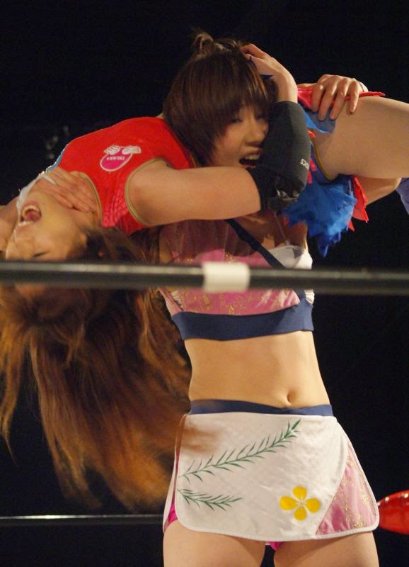Maki Narumiya-women wrestling-japanese woman wrestling