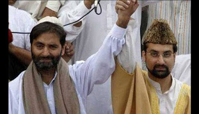 Indian police arrest Mirwaiz, Malik to stop Lal Chowk march