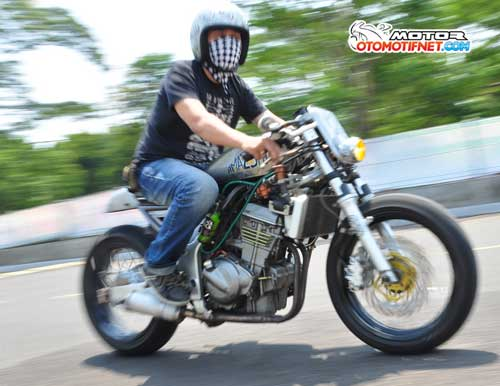 Foto Modifikasi Kawasaki Ninja 250r Cafe Racer Rock N Roll
