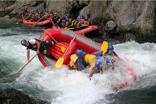 Seberapa Bahayakah Kegiatan Rafting atau Arung Jeram?