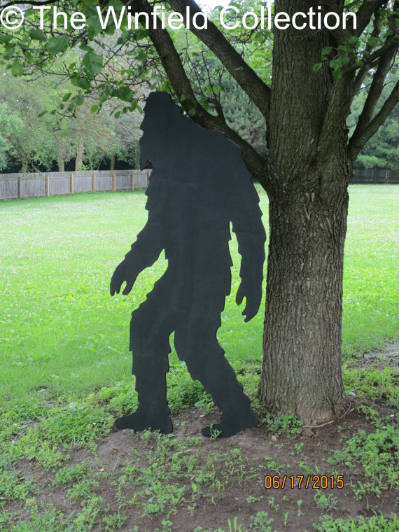 Shivers Of Delight Haunting Yard Art