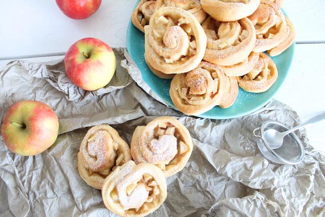 Hefeschnecken mit Apfel