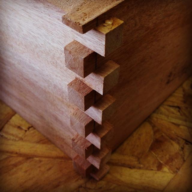 encaixes em madeira