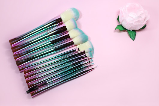 Docolor Fantasy Makeup Brush Set Review & GIVEAWAY!
