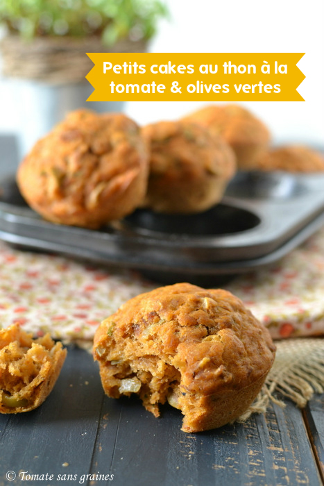 Petits cakes au thon à la tomate et aux olives vertes