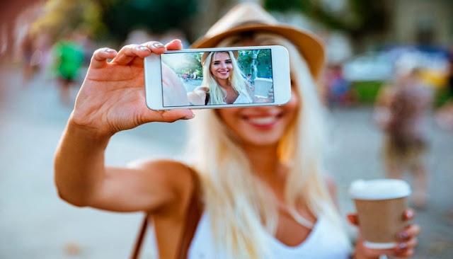9 Meme Apapun Kondisinya Tetep Selfie Dulu!