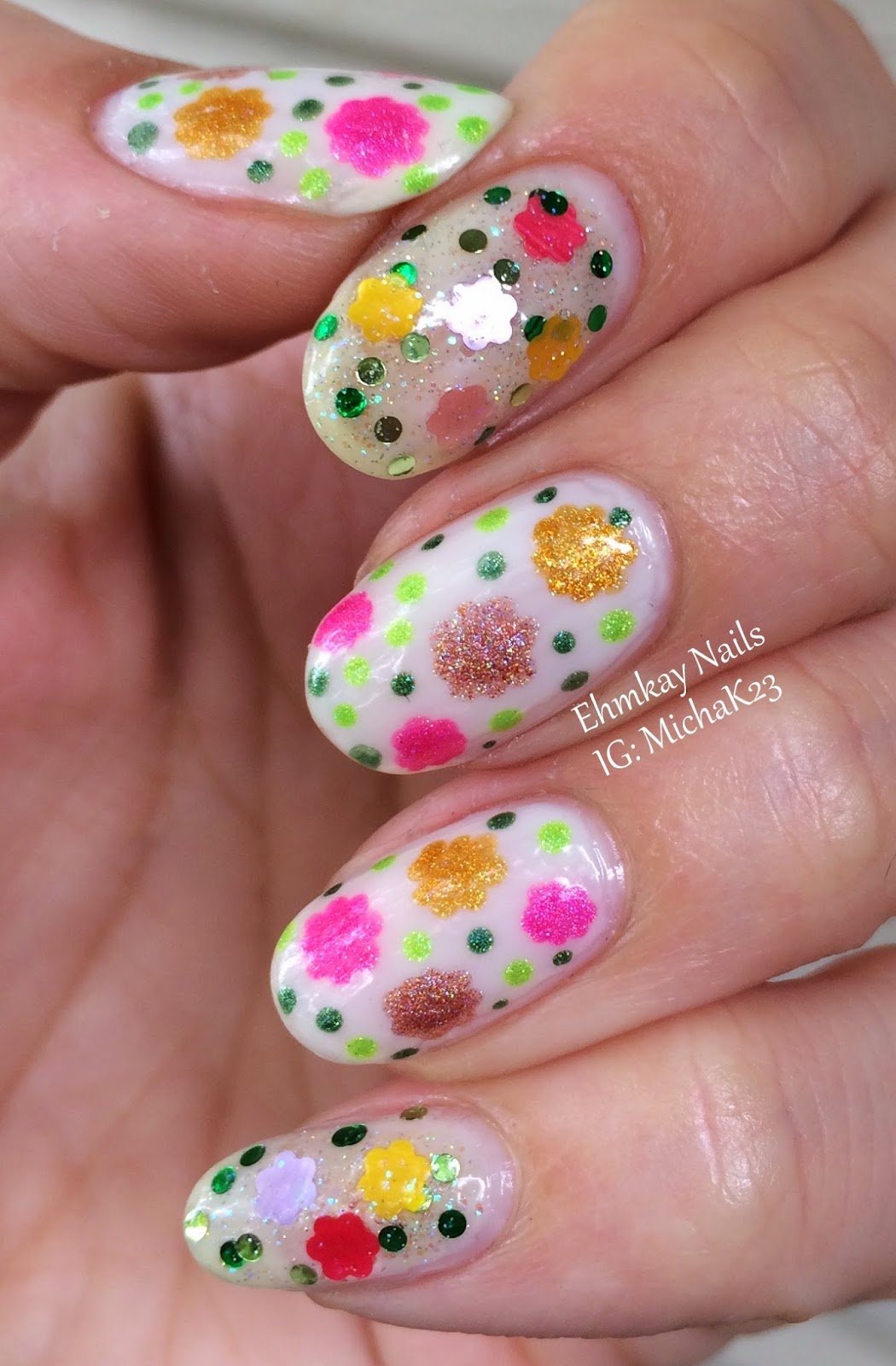 Ehmkay Nails Daisy Nail Art With Red Dog Designs Flower Power With