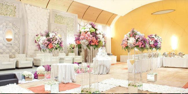 Alamat no hp jasa katering pernikahan di surabaya gedung sebuah pesta pernikahan yang sempurna tentu harus didukung oleh elemen elemen di dalamnya mulai dari daftar makanan dari katering yang enak junglespirit Choice Image