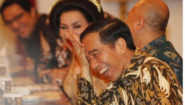 Pengamat: Di Era Jokowi Rakyat Cuma Bisa Nonton Pejabat Umbar Kemewahan