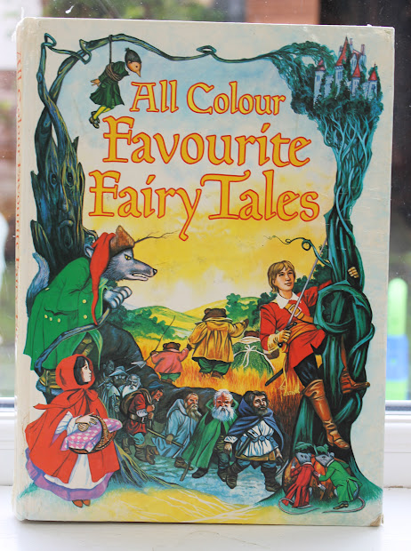Busy Squirrel Colour Fairy Tales - Beautiful