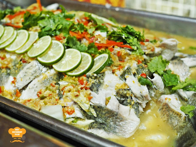 Steamed Seabass with Lime and Chilli Sauce