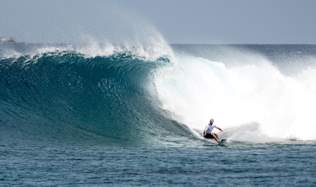 Four Seasons Maldives Surfing Champions Trophy 03