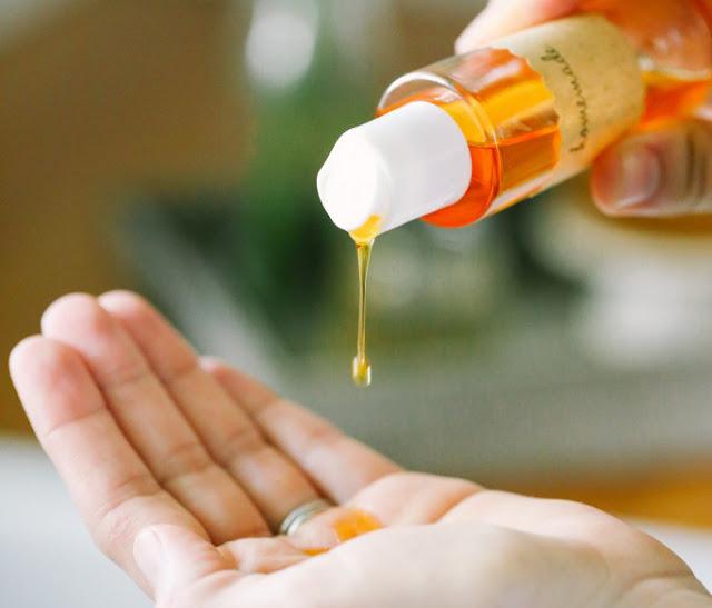 Ngạc nhiên với cách trị mụn cho da dầu từ dầu tự nhiên