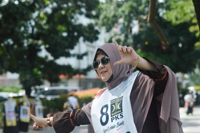 Emak-Emak Stylish di Flashmob Terakhir PKS Serpong