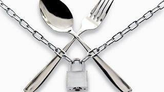 hukum jika Terlupa Makan atau Minum Saat Puasa, Batalkah?
