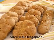 Domáce cesnakové kaiserky z ražného kvásku - recept