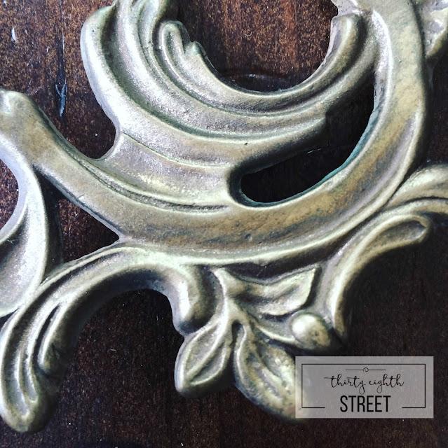 painting hardware, how to paint hardware, how to clean hardware, how to add patina to hardware, vintage hardware, metallic cream, belt buckle metallic cream