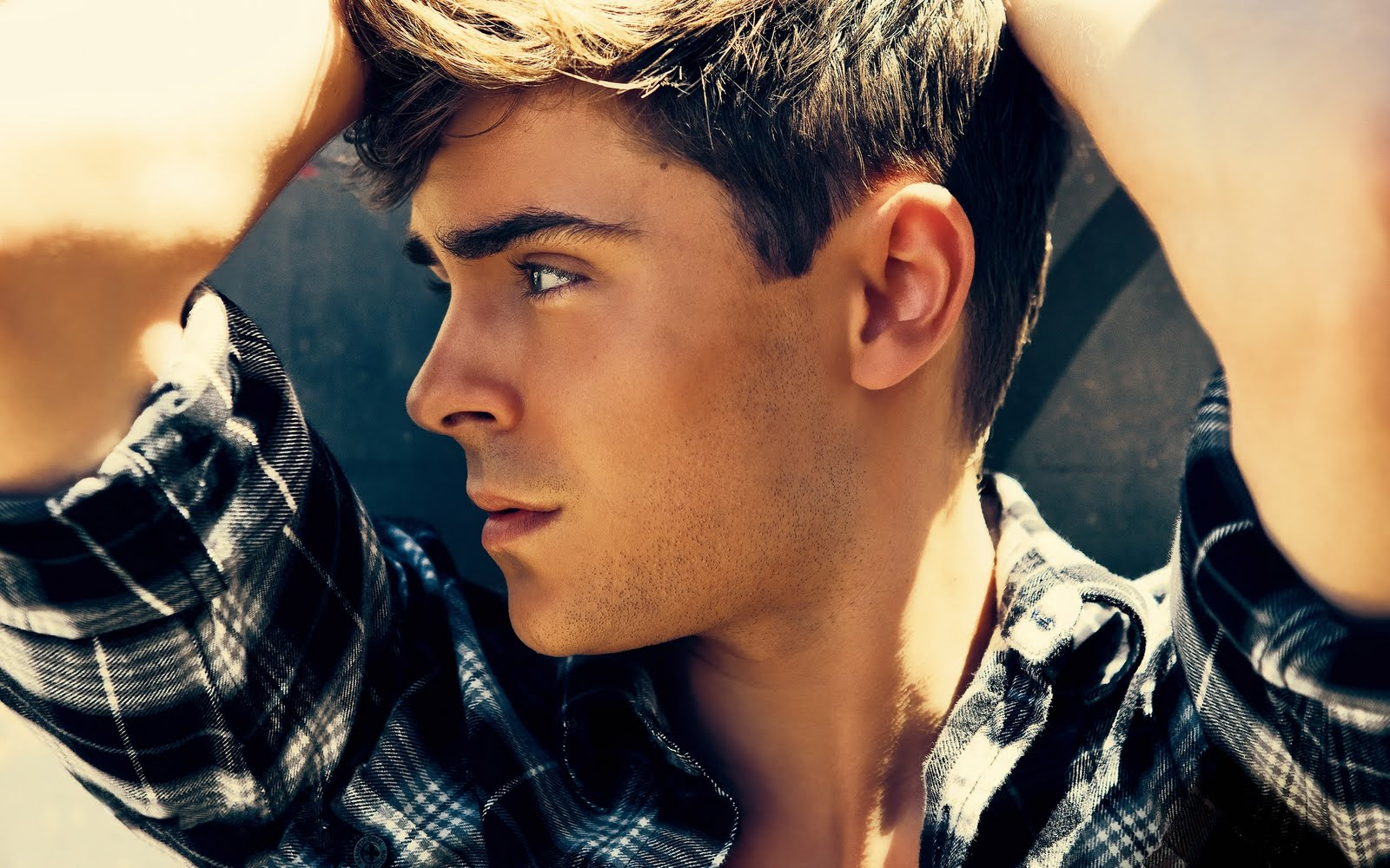 L Hairstyle: Hairstyles For Men: Zac Efron Hairstyles Are Becoming Popular
