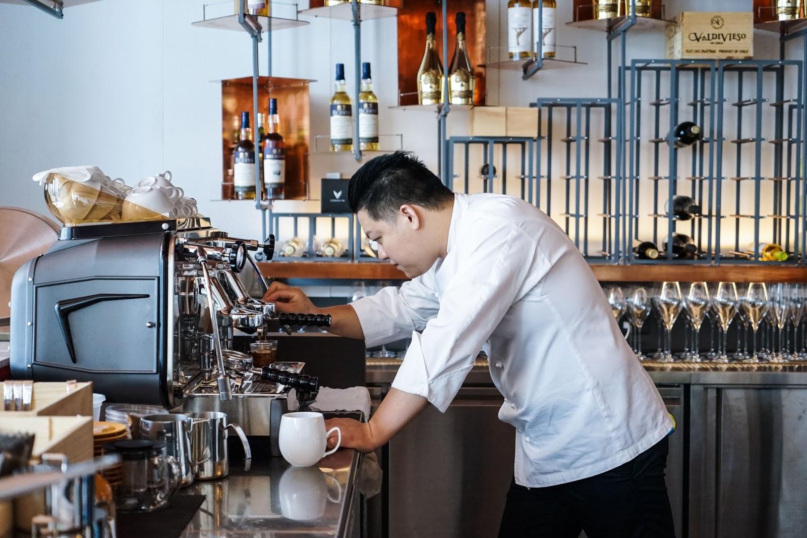 美食家的自學之路: 臺灣風土,這位甫獲得2018臺北米其林指南一星餐廳殊榮的態芮主廚何順凱自信地說:「我的菜就是我的菜。」 自小抱有廚師夢的他,法式呈現-何順凱再出發的新餐廳Taïrroir 態芮
