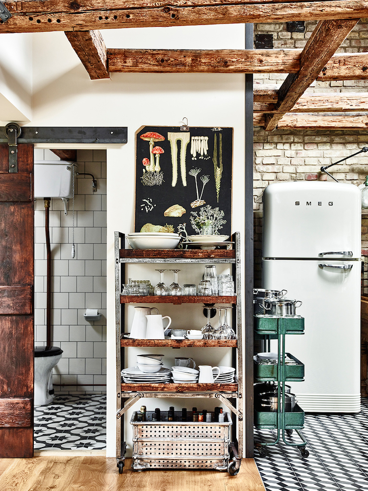decordemon: Eclectic country style Swedish apartment