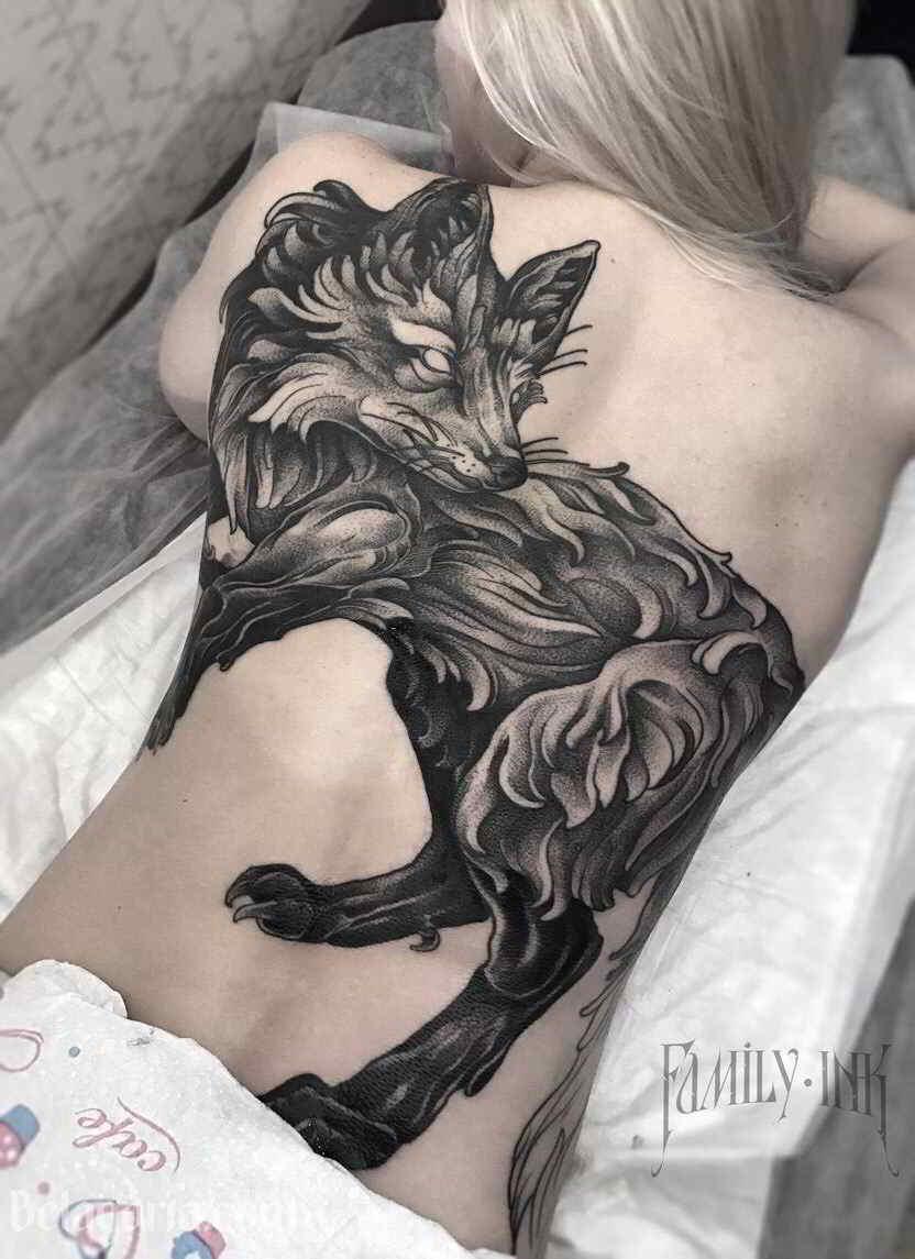 tatuaje excepcional y llamativo