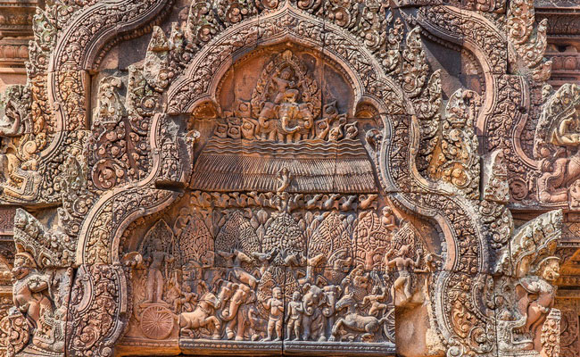 Xvlor.com Banteay Srei is Angkorian jewel built by Hindu Brahmin