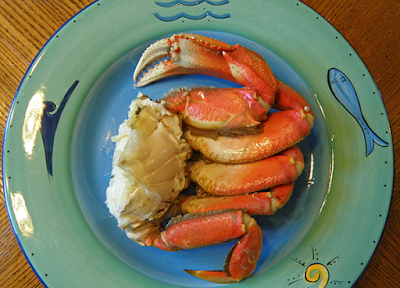 Dinner Plate filled with 1/2 Crab