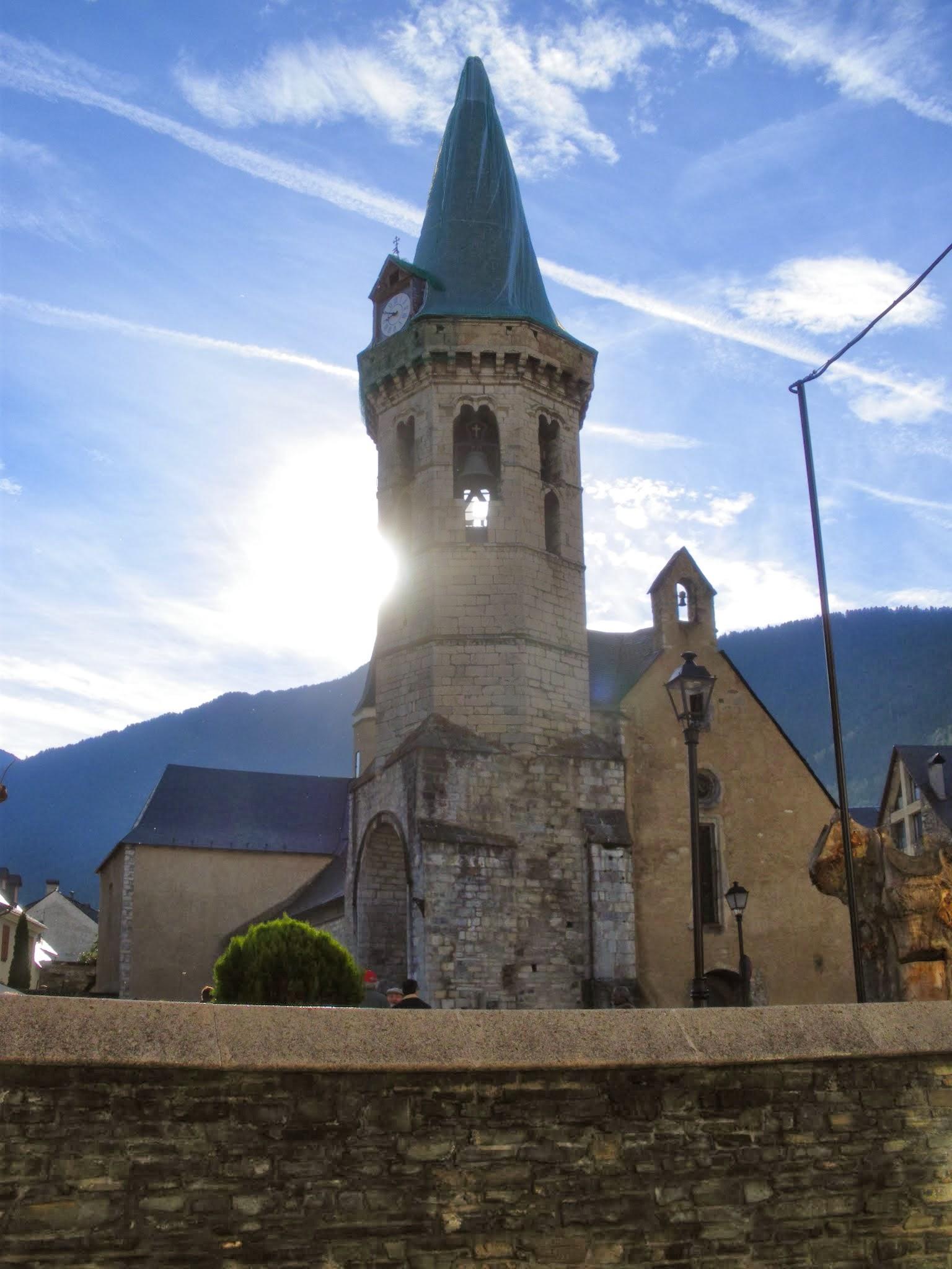 Campanar de Sant Miqueu de Vielha Val d'Aran Pirineu de Lleida