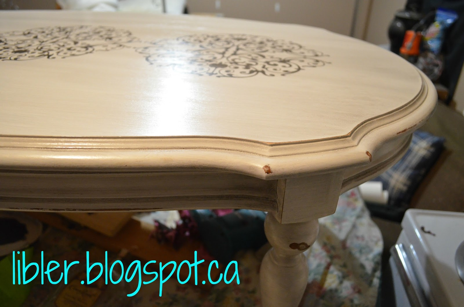 MacGIRLver: Chalk Paint Coffee Table