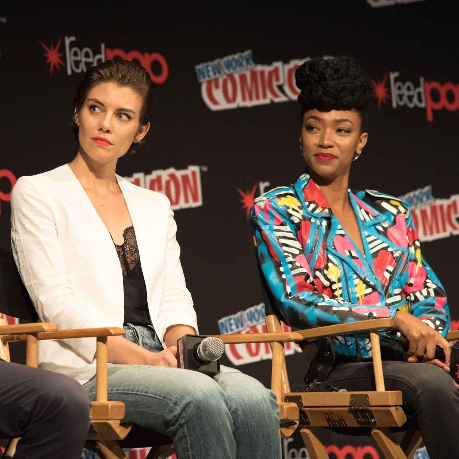 Lauren Cohan and Sonequa Martin-Green at New York Comic Con