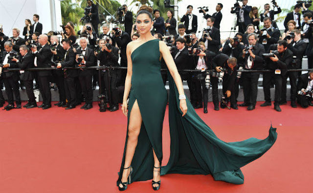 Cannes 2017 Red Carpet Deepika Padukone with his Best Dress at International Event