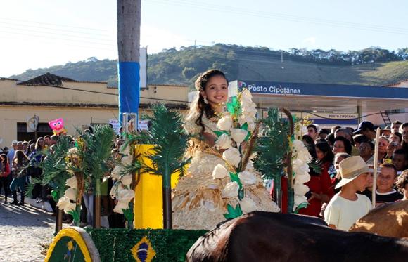 Desfile, festa do milho