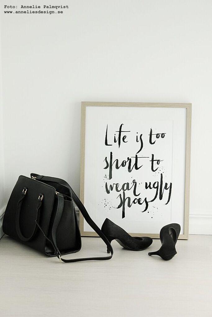 sko, skor, skotavla, skotavlor, tavla, med text, svart och vitt, svartvit, svartvita, webbutik, webbutiker, webshop,walk in closet, wic, konsttryck, poster, posters, print, prints,