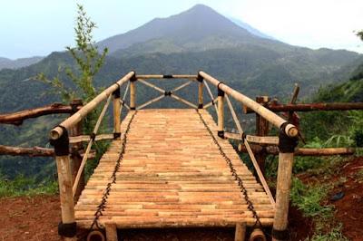 wisata gunung kelir