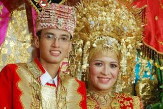Pernikahan Adat Minahasa