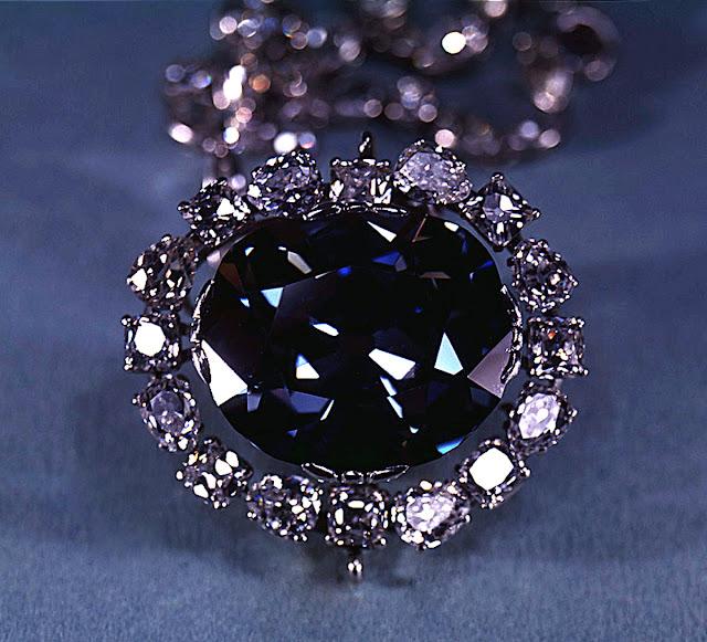 Hope Diamond permata yang dianggap membawa kutukan