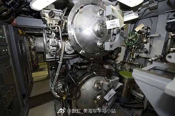 الغواصة النووية فرجينيا USS%2BWashington%2BSSN-787%2BVirginia%2Bclass%2Bsubmarine%2B6