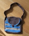 http://translate.googleusercontent.com/translate_c?depth=1&hl=es&rurl=translate.google.es&sl=en&tl=es&u=http://www.crochetier.com/patterns-anleitungen/free-patterns/simple-striped-bag/&usg=ALkJrhjmPa1FAM_lnc3yJgpWyK7Xe97DiQ