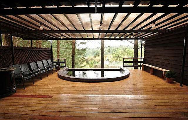 Dahilayan Forest Park Jacuzzi is just one of the amenities in Dahilayan Forest Park. Check out their Picnic Grounds when you get there and bring your jacket with you when you get there.