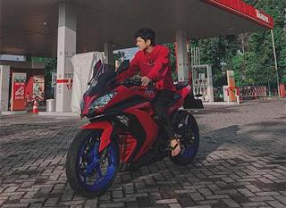 Abun Sungkar Naik Motor