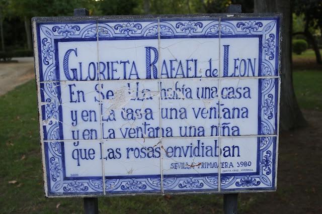 Placa de Glorieta de Rafael de León