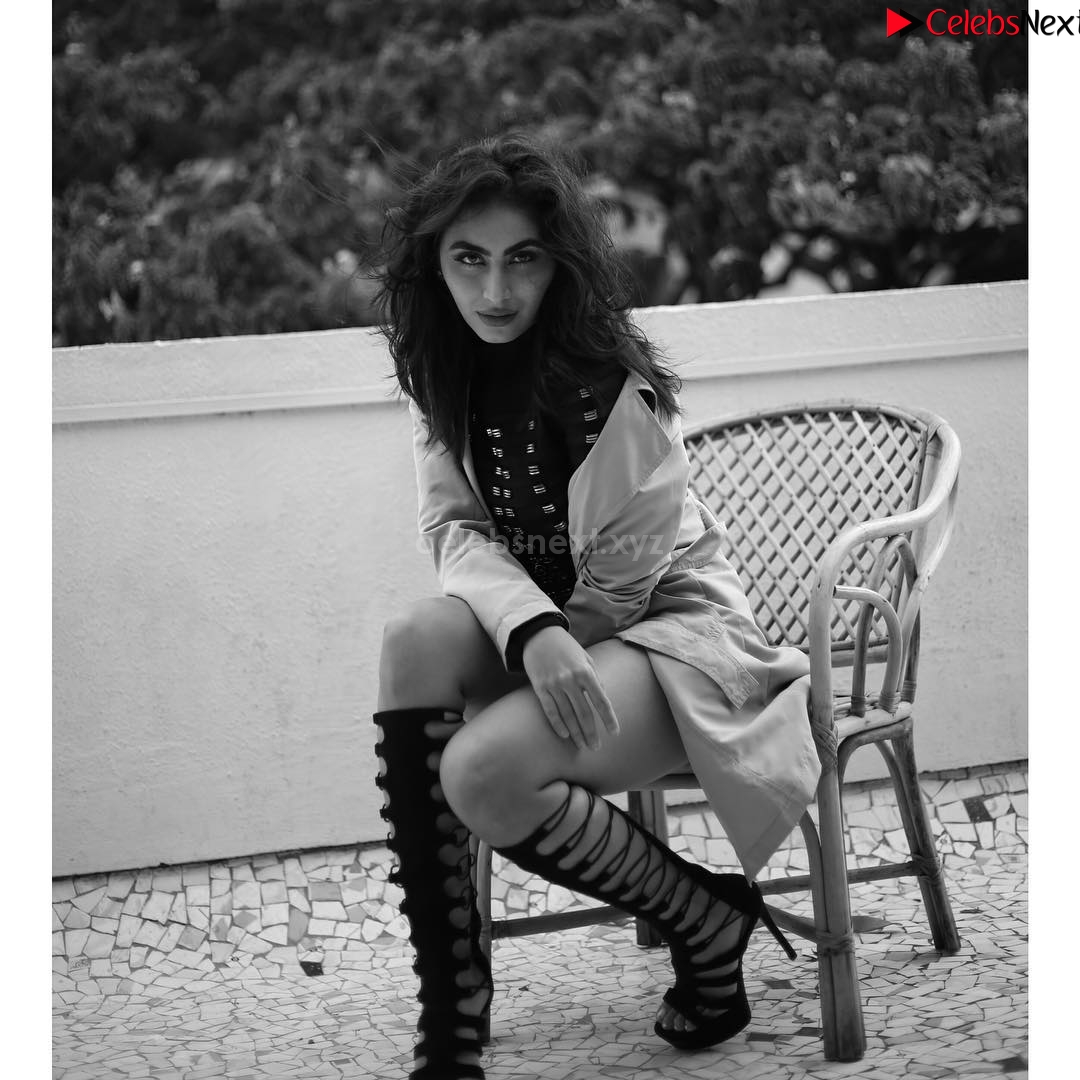 Katie Iqbal new Bollywood Actress in Bikini Stunning Beauty celebsnext.xyz