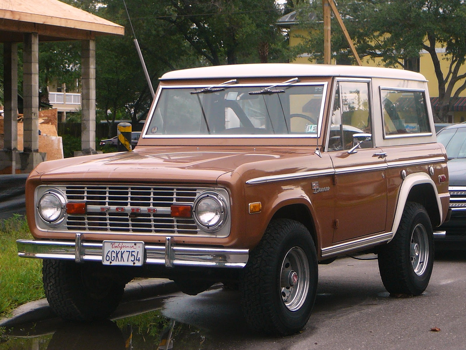 tampa florida photo over 40 and not aging 1970s ford bronco. Black Bedroom Furniture Sets. Home Design Ideas