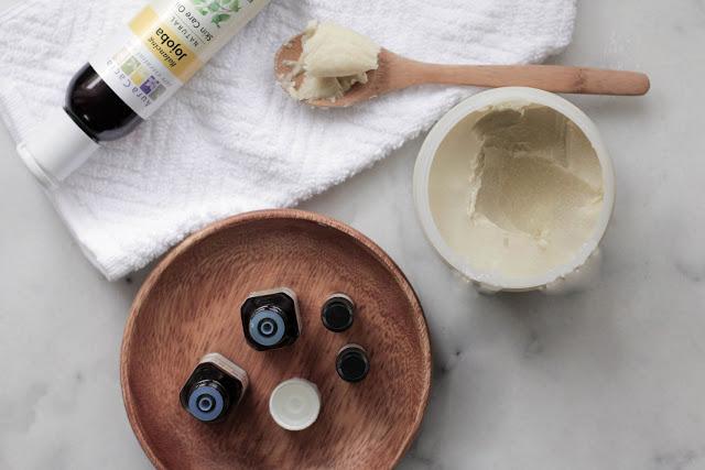DIY: Cách làm kem dưỡng ẩm dành cho da mụn