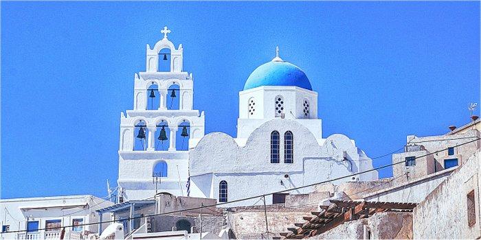 Come trovare un albergo a Santorini, Grecia