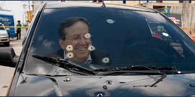 Ladrão se dão mal contra usuário de carro blindado