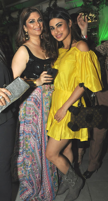 5. Sohanna Sinha and Mouni Roy