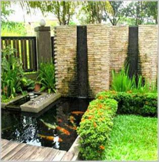 taman rumah minimalis dengan kolam ikan kecil