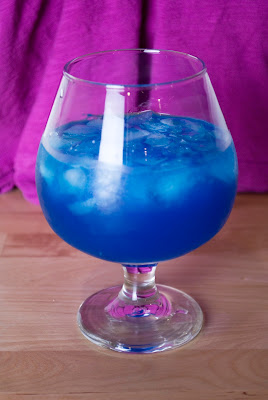 blue ocean cocktail, vodka, blue curacao, grapefruit juice, simple syrup